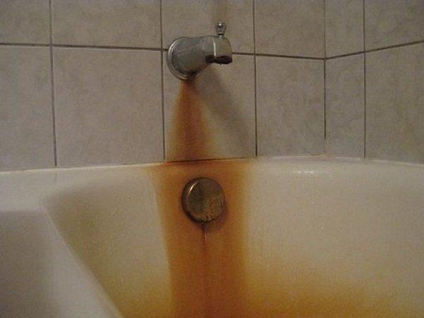 Bồn tắm bị rỉ