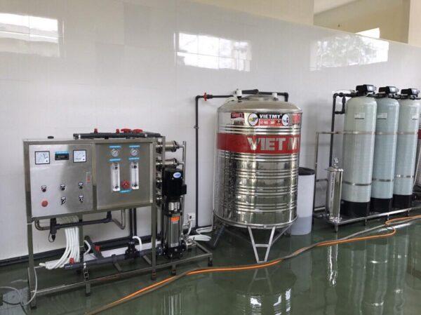Hệ thống xử lý nước tinh khiết đóng bình